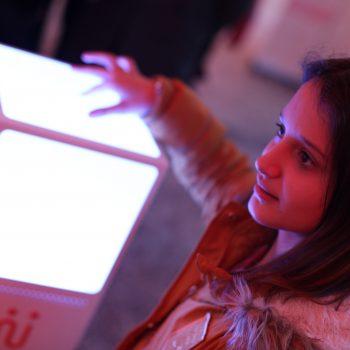 Près de 10 000 élèves, comme Anna, ont pu manier le cubtile au Grand Palais